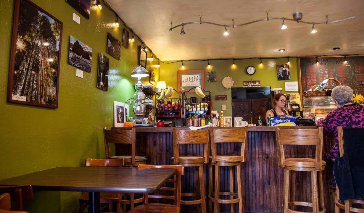 Jenna Sues Cafe